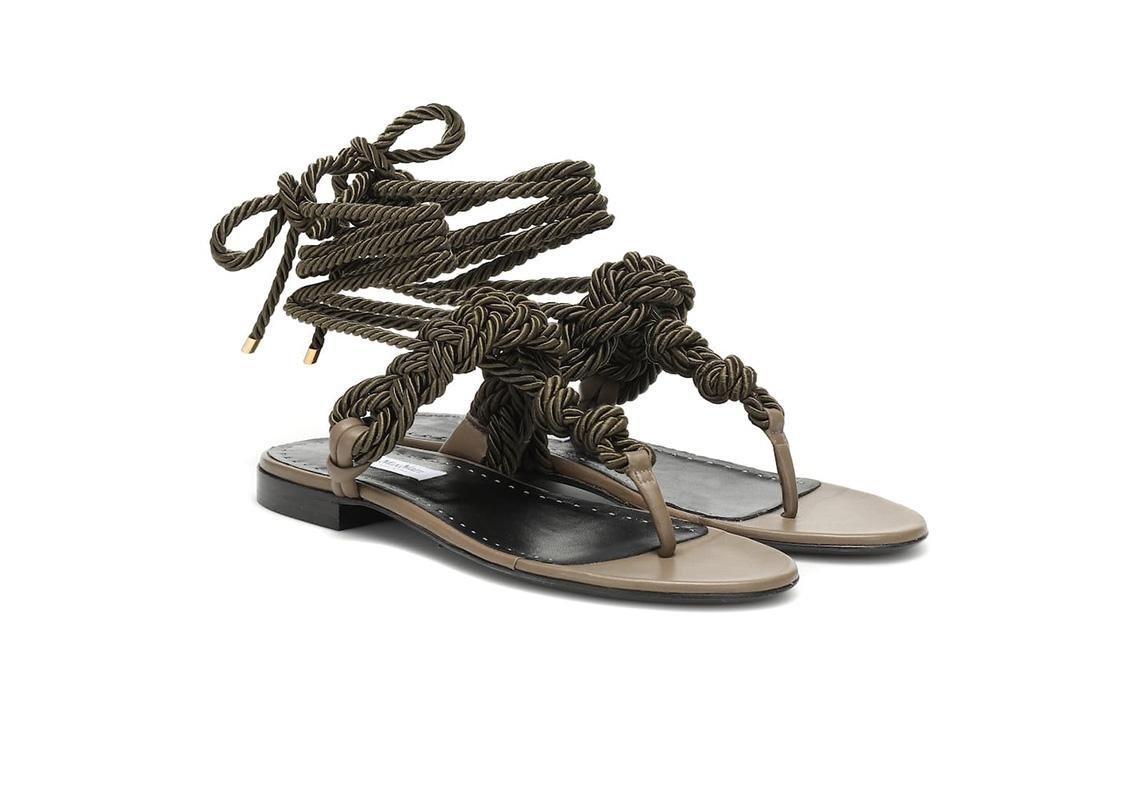 اخر صيحات الموضة ربيع 2019 حذاء تصاميم احذية صندل صنادل صيفية max mara ماكس مارا
