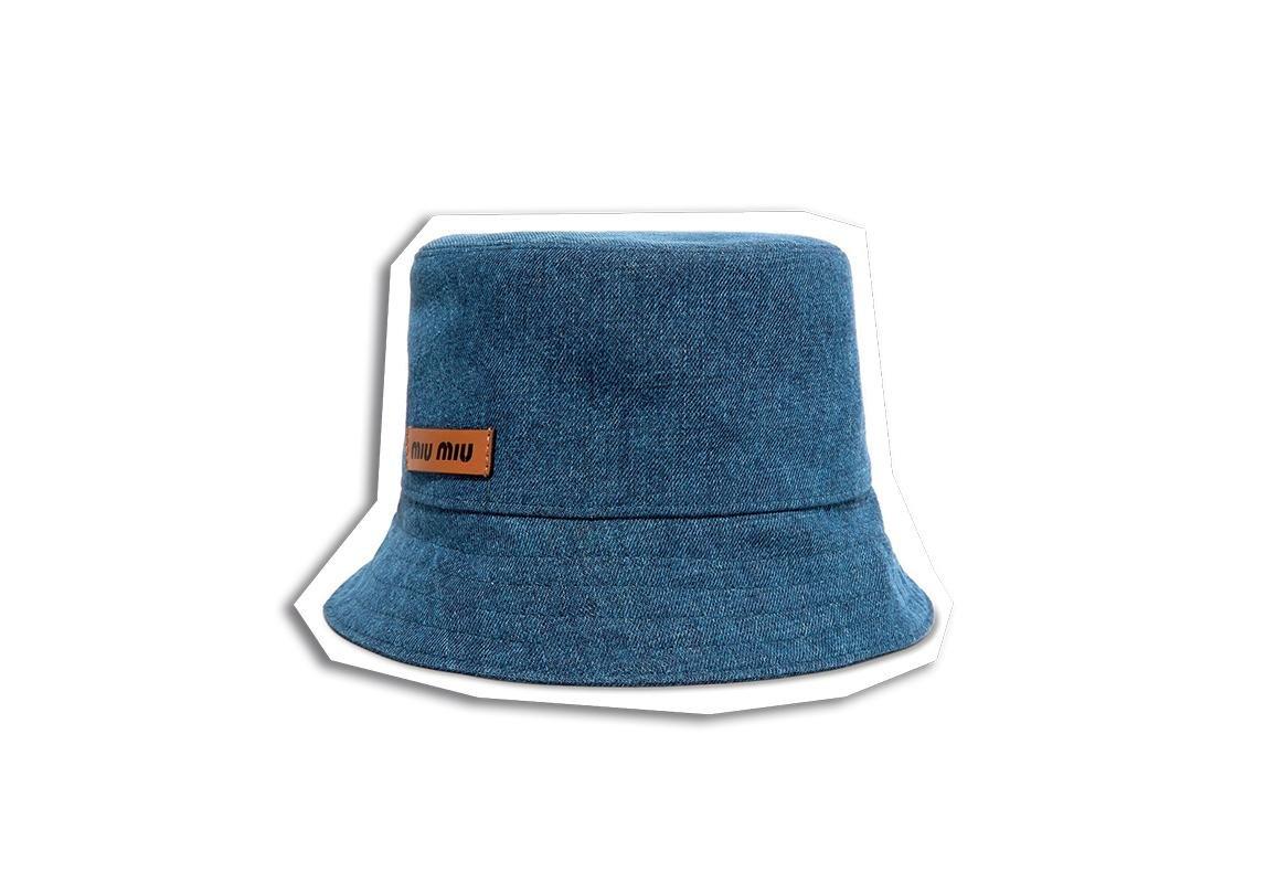 bd6f46b7386d6 قبعة من Maison Michel اخر صيحات الموضة ربيع 2019 قبعة قبعات تصاميم رائجة  اكسسوار رائج اكسسوارات رائجة Miu Miu ميوميو