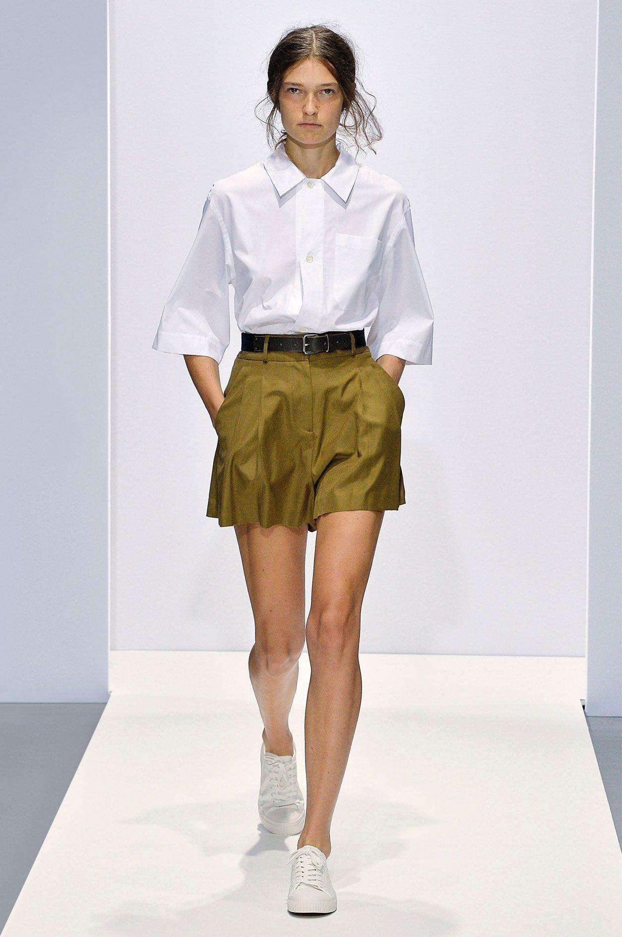 a568127dcce40 Hermès سروال قصير سراويل واسعة شورت شورتات صيفية اخر صيحات الموضة ربيع 2019  Margareth Howell مارغاريث هويل