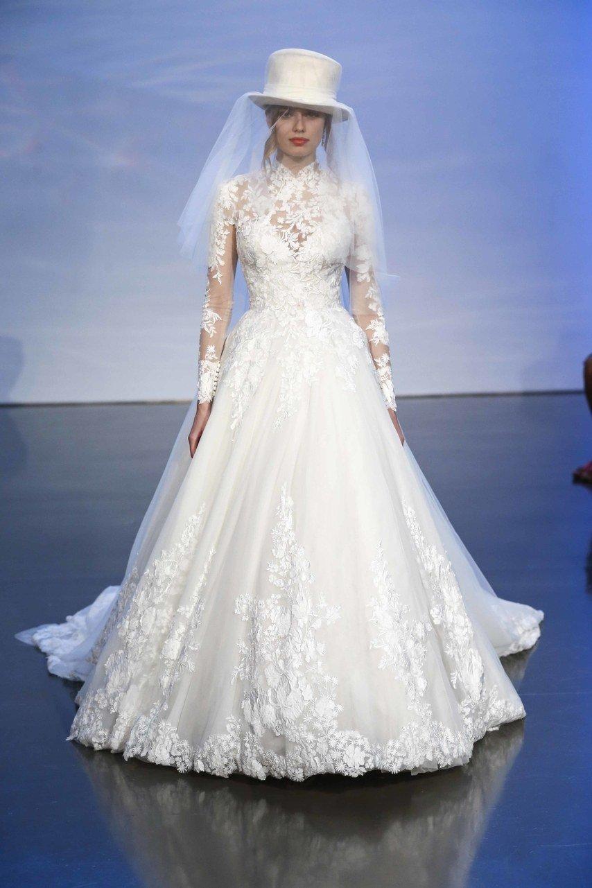 a166c8be44851 مجلة زهرة السوسن - أجمل الطرحات التي تناسب ستايل كل عروس مهما كان ذوقها