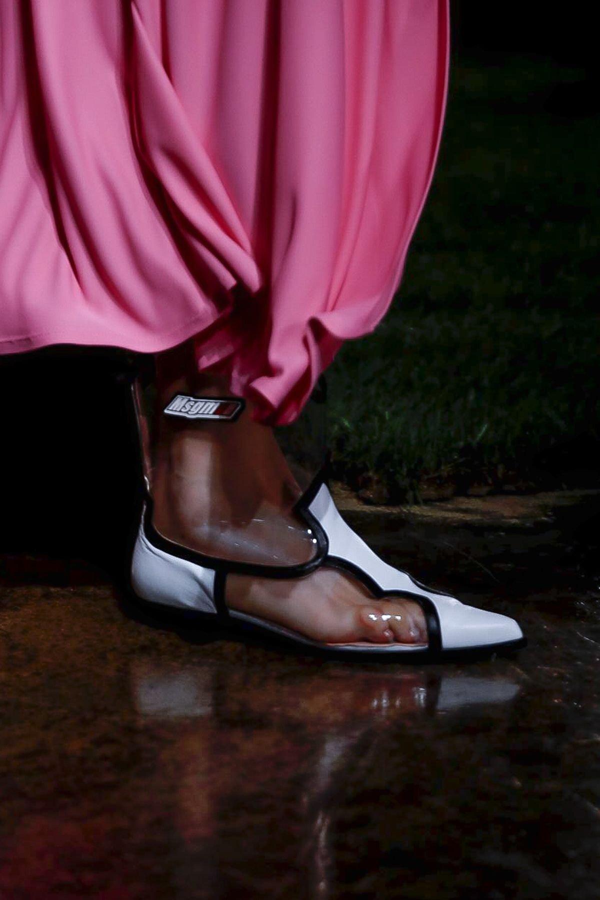 9ddfcb4a4 Mary Katrantzou shoes حذاء احذية رائجة ربيع 2019 plastic احذية بلاستيكية  msgm