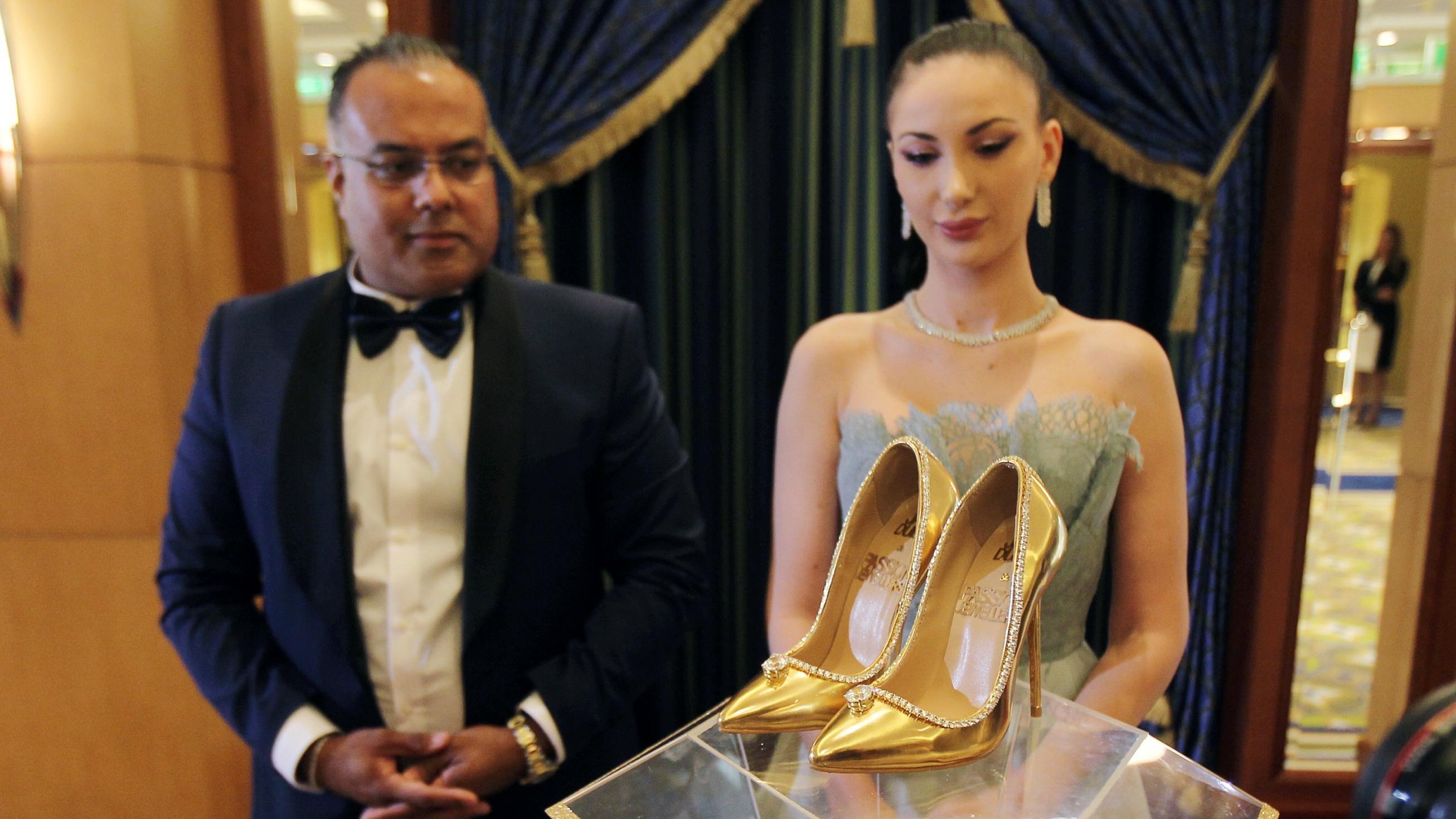 65d6fc183 مجلة زهرة السوسن - صور أغلى حذاء في العالم: يبلغ ثمنه 17 مليون دولار ...