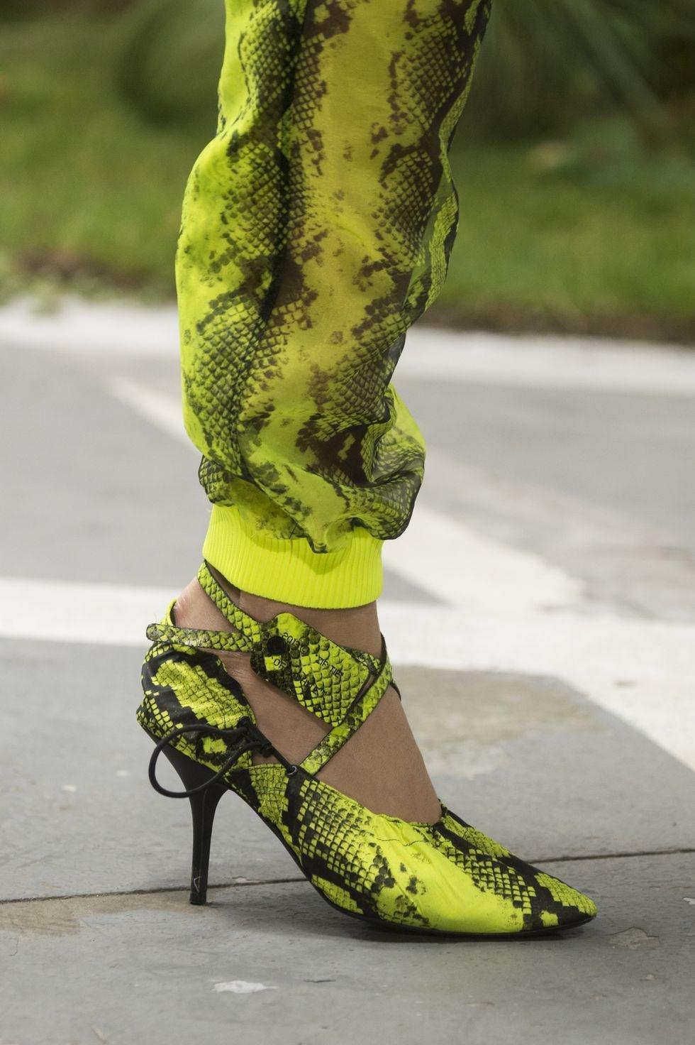 صندال صنادل احذية رائجة تصميم حذاء رائج ربيع 2019 اوف وايت off-white