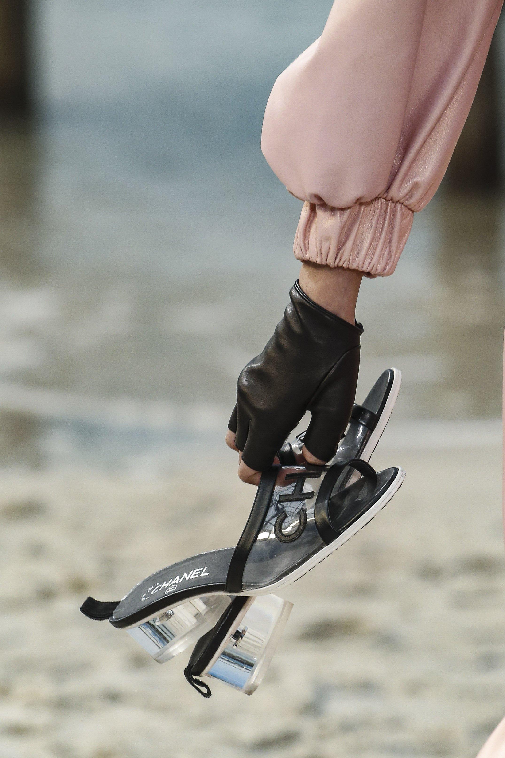 fc3efddeb Balmain shoes حذاء احذية رائجة ربيع 2019 plastic احذية بلاستيكية شانيل  chanel