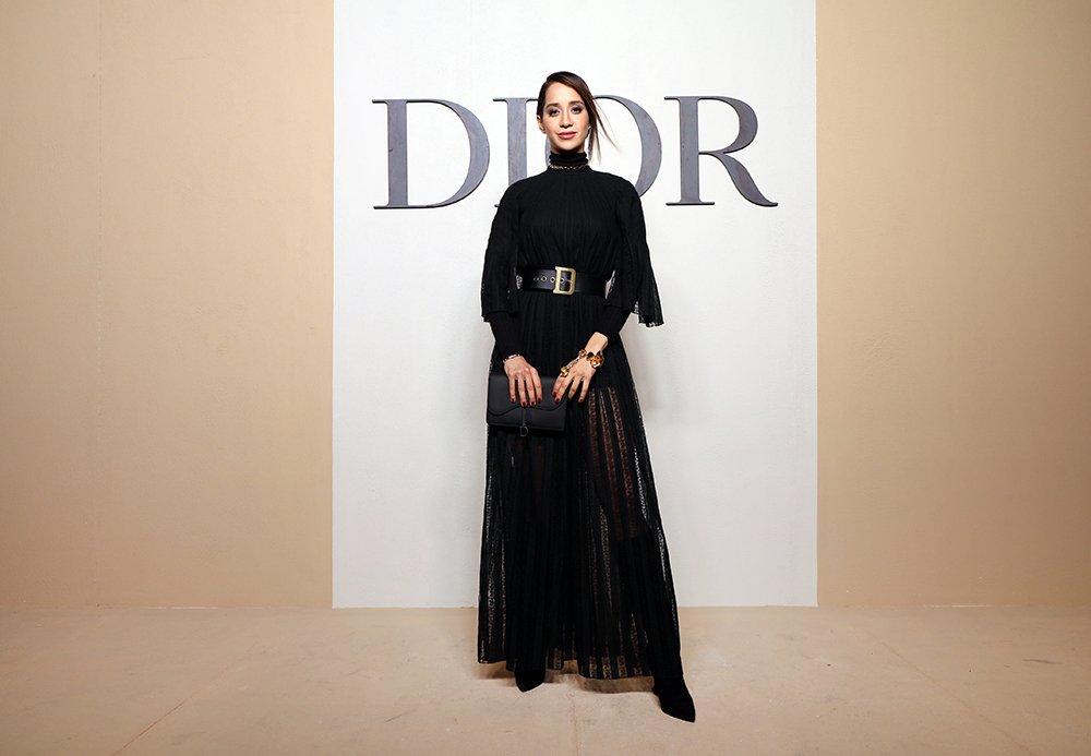 556c32485 مجلة زهرة السوسن - أبرز إطلالات النجمات خلال عرض Dior لمجموعتها ...