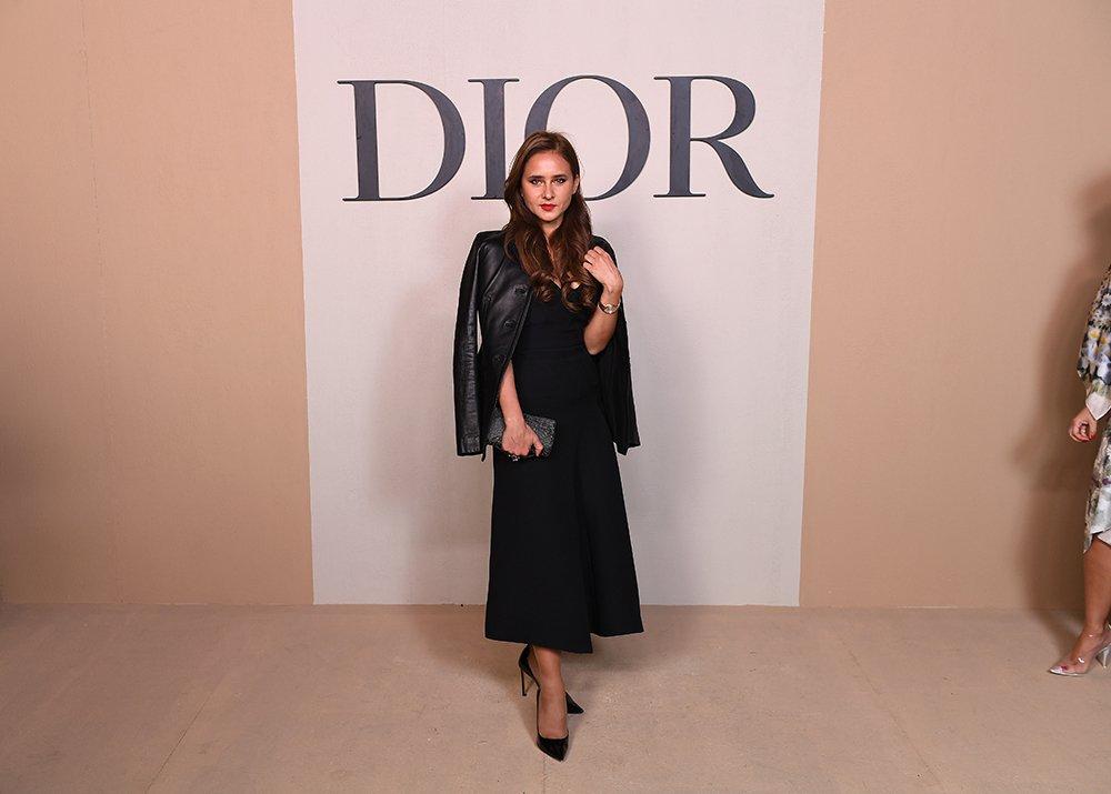 8a44de050 مجلة زهرة السوسن - أبرز إطلالات النجمات خلال عرض Dior لمجموعتها ...