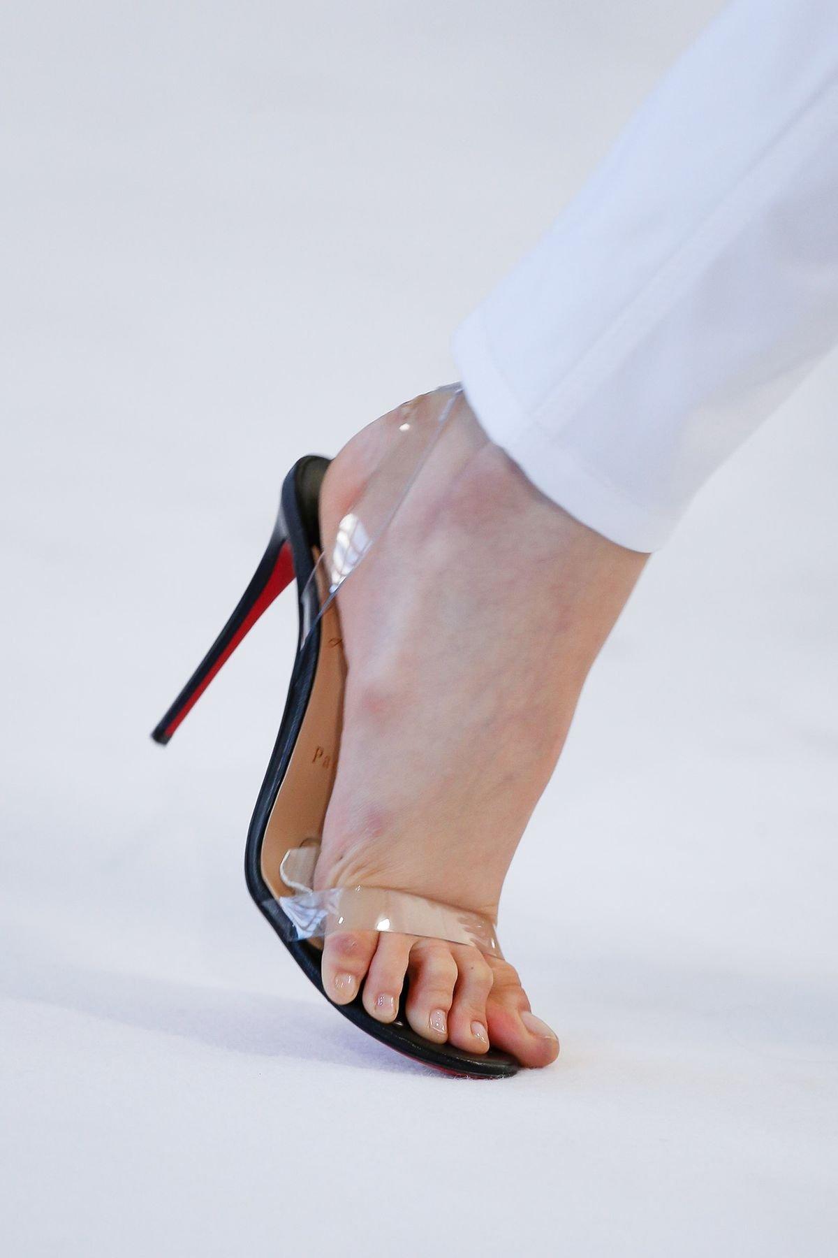 0d9f787ef مجلة زهرة السوسن - الأحذية البلاستيكية... صيحة لا تزال مستمرّة في ...