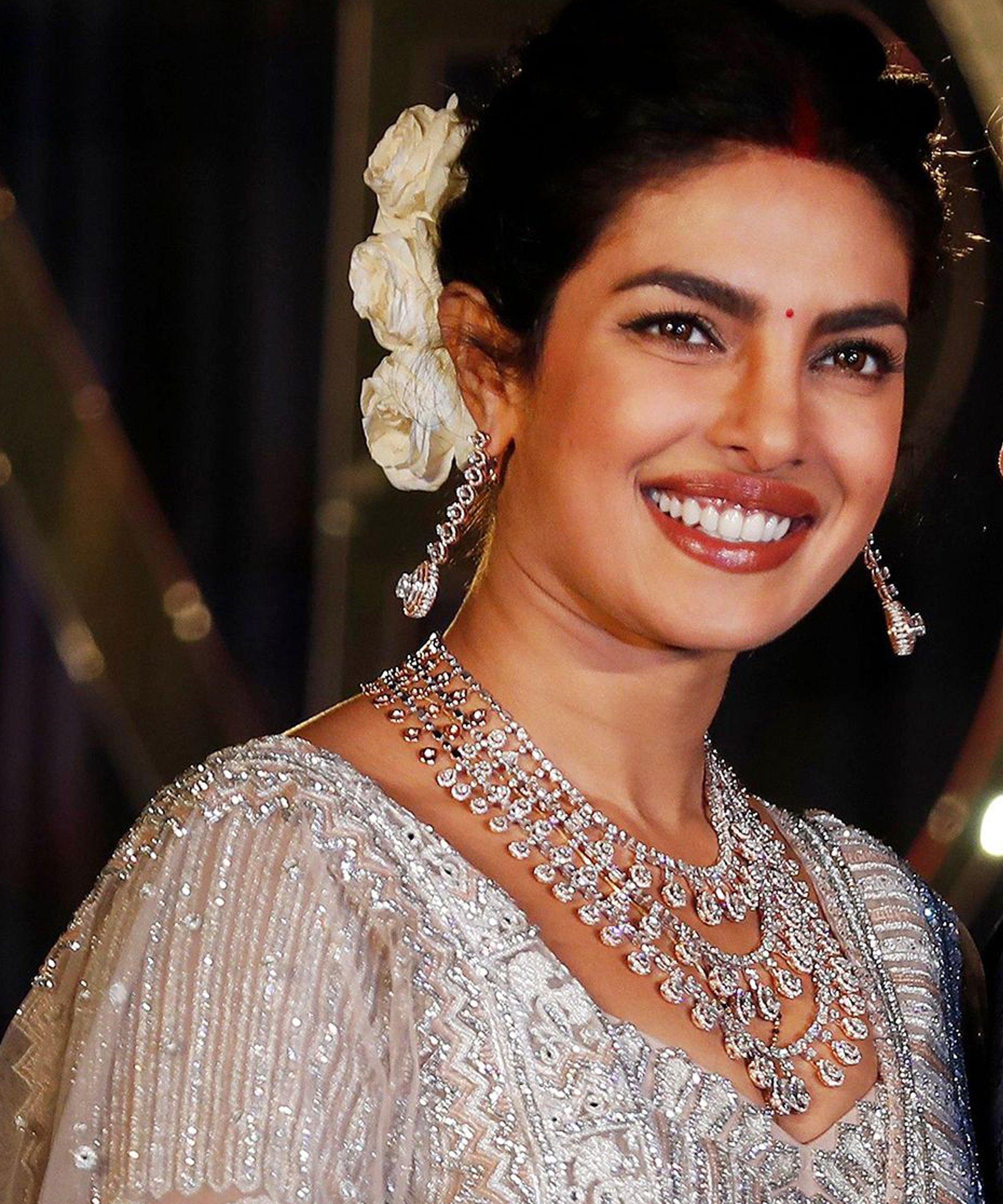 روتين العناية بالبشرة عروسه بريانكا شوبرا