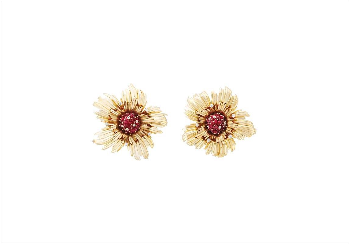 أقراط فان كليف اند اربيلس VAN CLEEF & ARPELS LuckySpring Flower Brooches